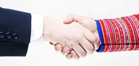 Handshake - Sámi and Norwegian