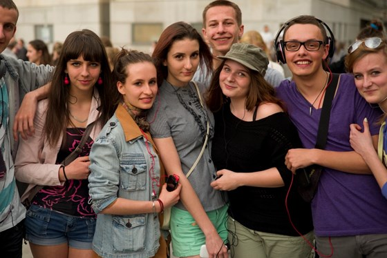Group of Polish youth arm in arm.