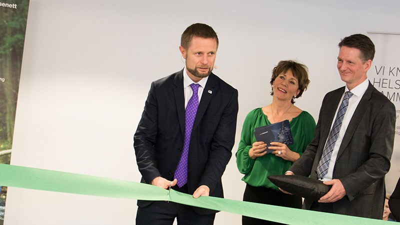 Helse- og omsorgsminister Bent Høie åpner tjenestesenter for helseforvaltningen. Foto: Norsk Helsenett