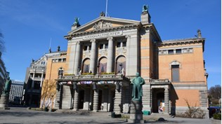 Nationaltheatret forfra.