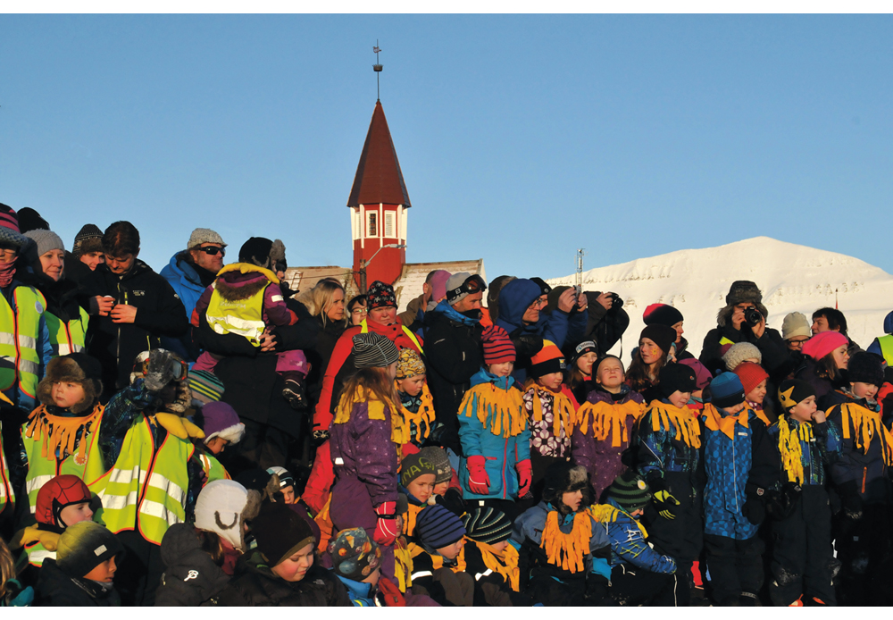 Figure 6.6 Every year on 8 March, the return of the sun is marked with a traditional gathering on the old hospital steps at Skjæringa.