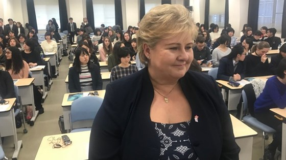 Prime Minister Erna Solberg at Ochanomizu University in Japan.