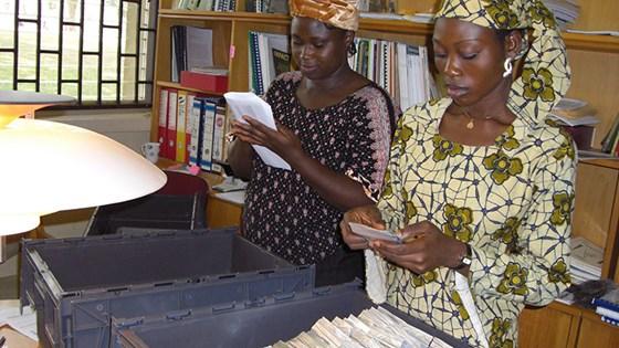 Registrering og pakking av frø i Nigeria