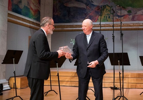 H.M. King Harald presents the 2017 Abel Prize to Yves Meyer
