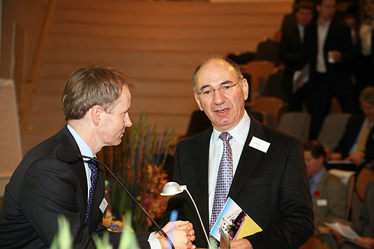 Director General Pål Haugerud and professor Elroy Dimson