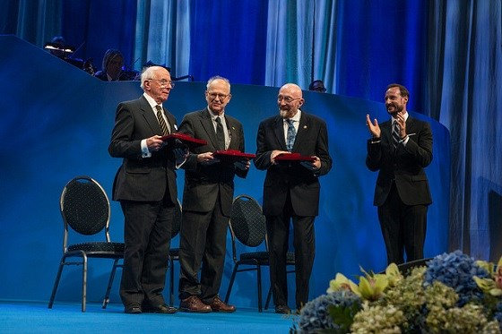 H.R.H. Crown Prince Haakon Magnus presents the 2016 Kavli Prize in Astrophysics to Ian Drever (on behalf of the laureate Ronald Drever) Rainer Weiss and Kip Thorne. CC BY-NC-SA 2.0