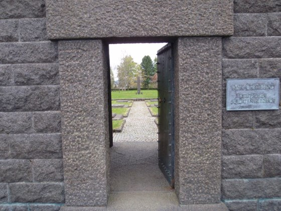 Entryway to the German War Cemetery at Havstein farm, Byåsen.