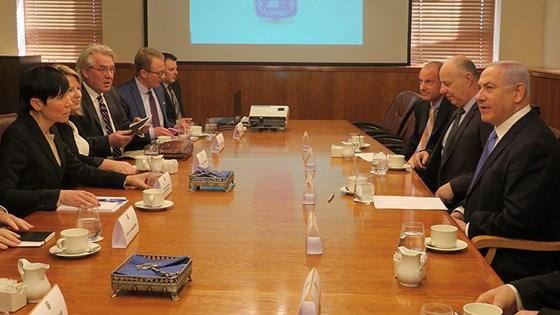 Tor Wennesland together with Foreign Minister Ine Eriksen Søreide and Prime Minister  Netanyahu.