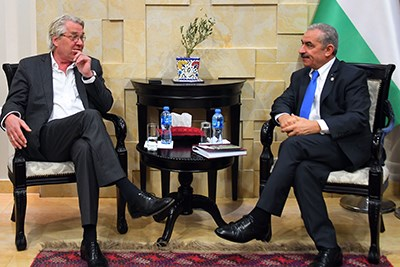 Tor Wennesland meets with the Palestinian Prime Minister  Mohammad Shtayyeh.