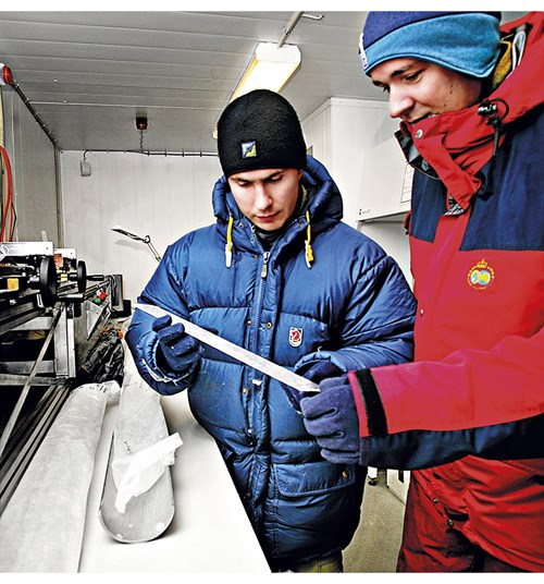 Figure 9.1 Ice research – scientists with an ice core