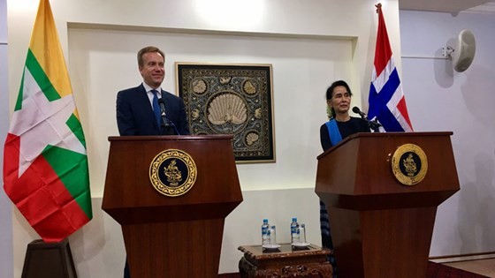Foreign Minister Børge Brende had a meeting with Aung San Suu Kyi on continued Norwegian support for the process of reform and democratisation in Myanmar. Photo: Astrid Sehl, MFA
