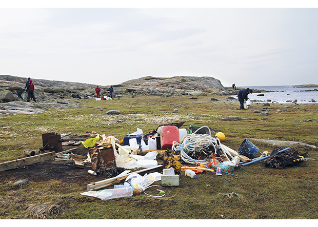 Figure 7.6 Annual beach clean-up day, April 2012. From the Hvaler archipelago. This beach is included in the OSPAR beach litter monitoring programme.