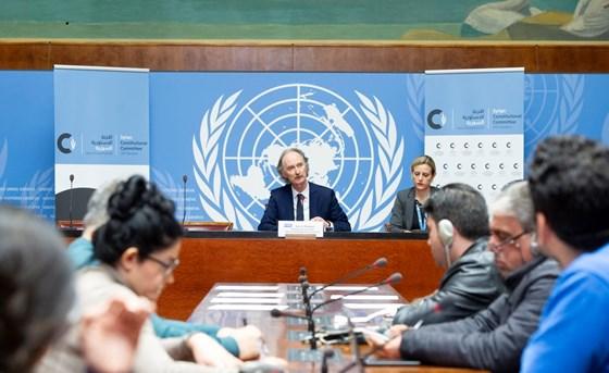 FNs spesialutsending til Syria Geir O. Pedersen gjorde opp status for den politiske prosessen, inkludert forberedelsene til et mulig sjette møte i den syriske grunnlovskomiteen. Foto: FN