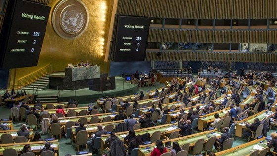 Wide view of the General Assembly meeting to consider the necessity of ending the economic, commercial and financial embargo imposed by the United States of America against Cuba. Credit: Cia Pak, UN
