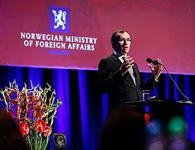 Foreign Minister Eide at the conference