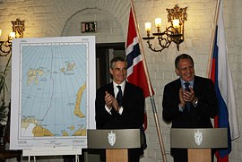 Norwegian Foreign Minister Jonas Gahr Støre and Russian Foreign Minister Sergei Lavrov exchanged the instruments of ratification of the Treaty on Maritime Delimitation and Cooperation in the Barents Sea and the Arctic Ocean. Photo: K.Elsebutangen, MFA, Oslo